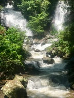 Day Hike to Anna Ruby Falls